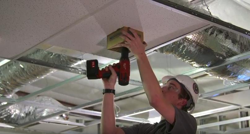 Cardboard Cutout Dust Catcher – Job Tip